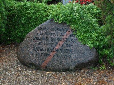 1. Stationsforstanderens familie gravsted.